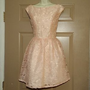 NWT TOPSHOP PEACH FLOWER LACE DRESS (PROM)-SIZE 4